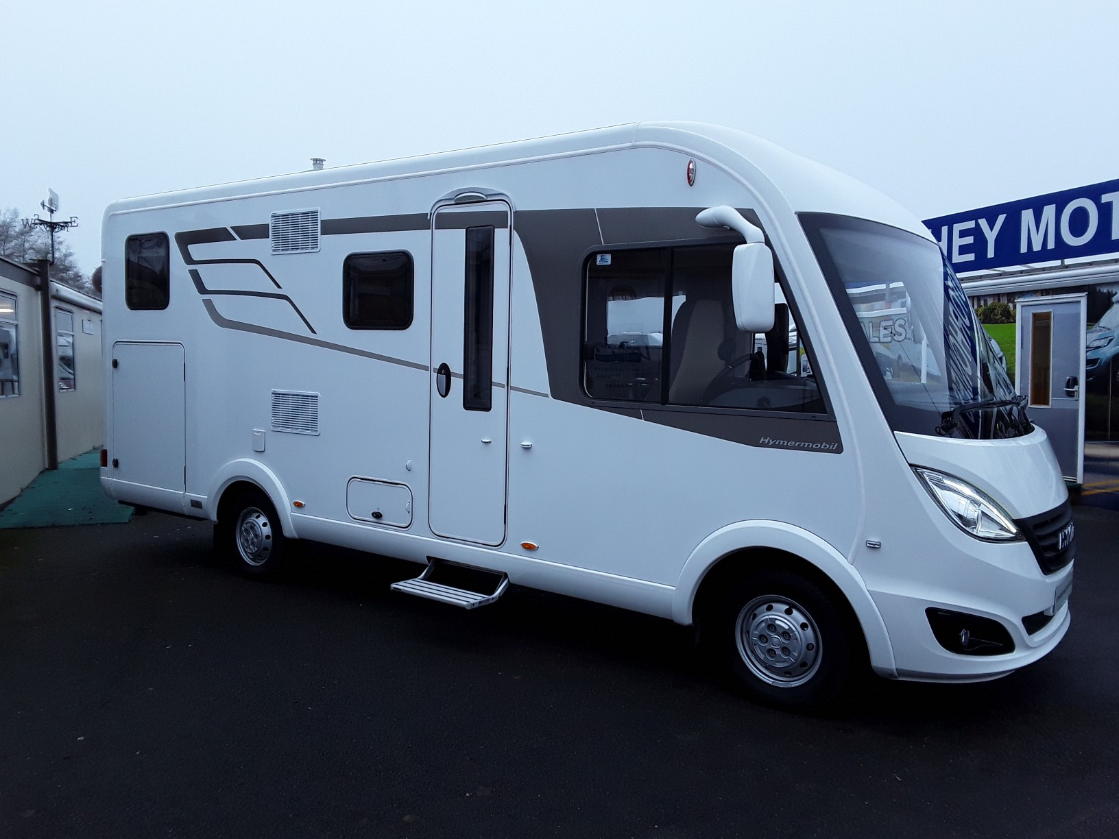 fiat ducato hymer bdl 588 donaghey motorhomes. Black Bedroom Furniture Sets. Home Design Ideas